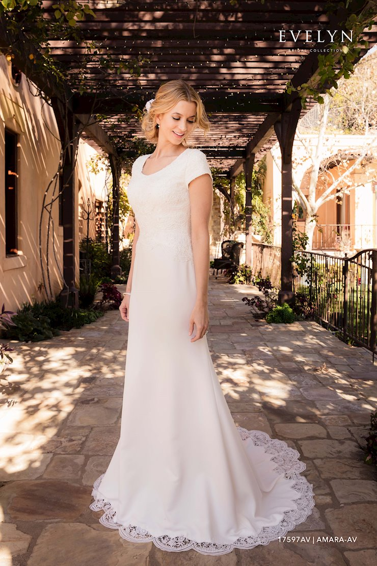 Evelyn Bridal 17597AV