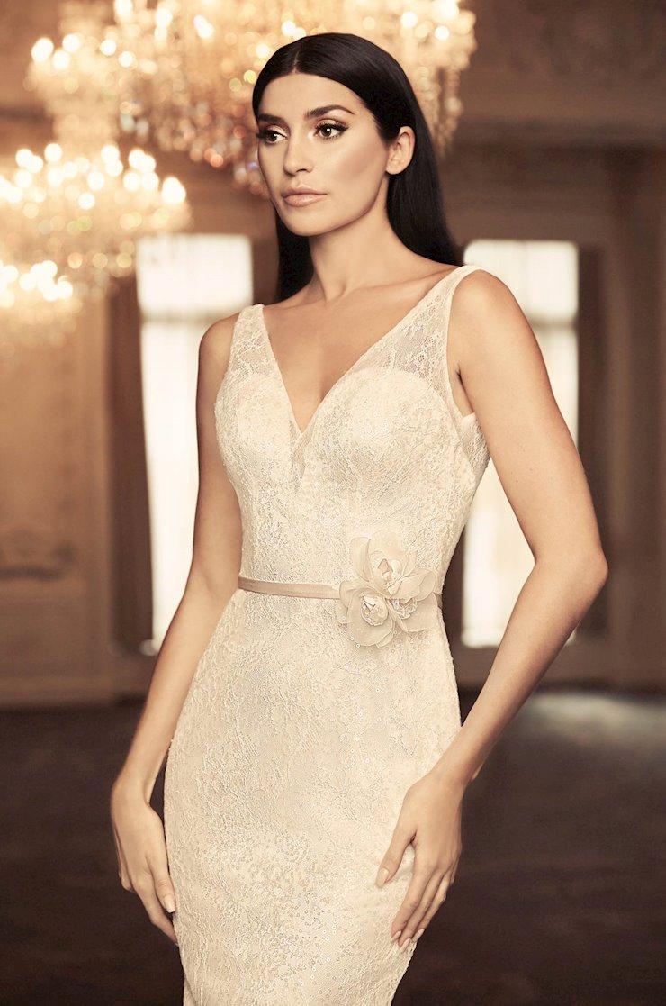 Paloma Blanca Style #4804