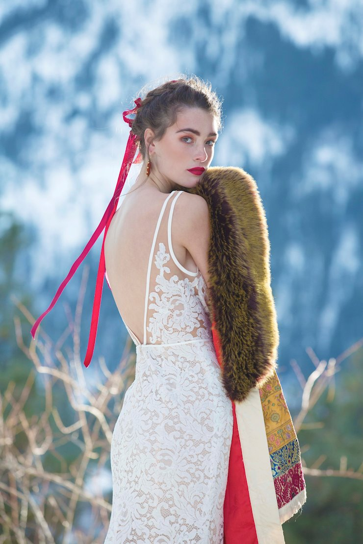 Willowby Derica style # 51111