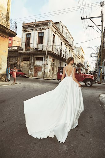 L'Amour by Calla Blanche Style #LA8228