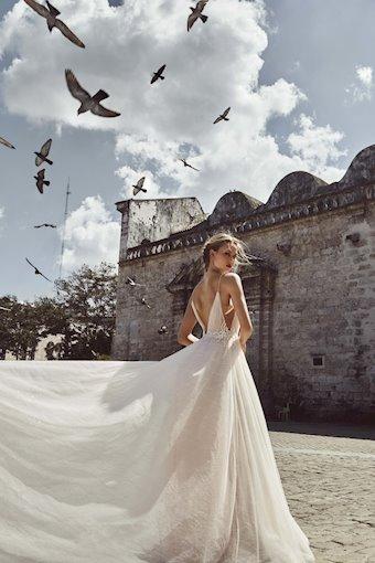 L'Amour by Calla Blanche LA8234