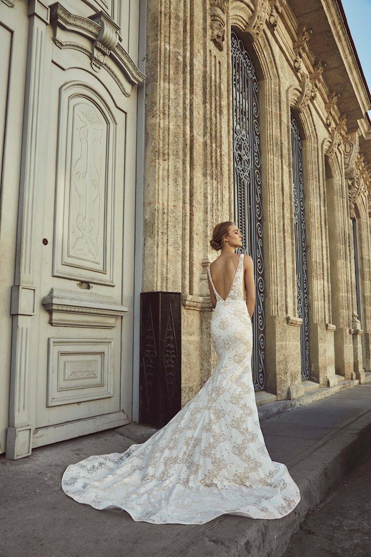 L'Amour by Calla Blanche LA8236