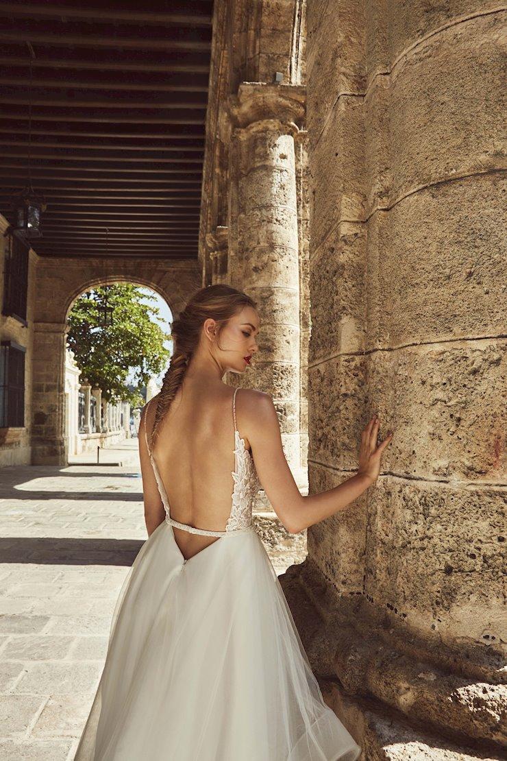 L'Amour by Calla Blanche LA8241