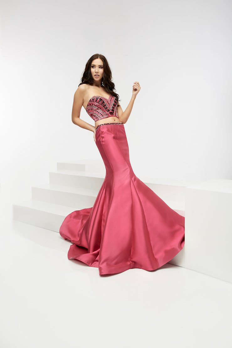 Jasz Couture Style #6082