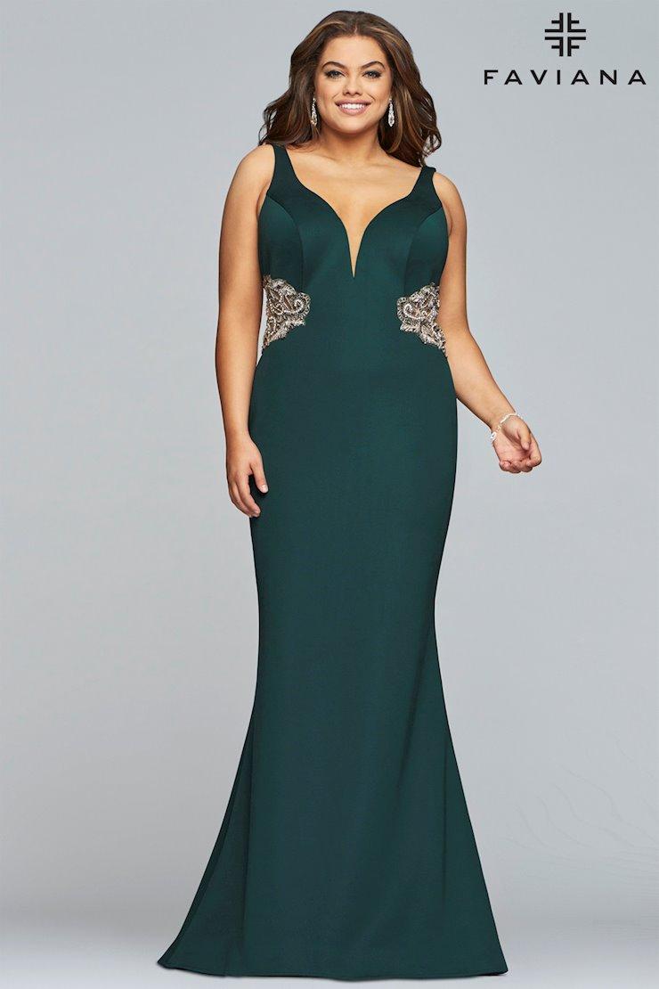 Faviana Plus Size 9448
