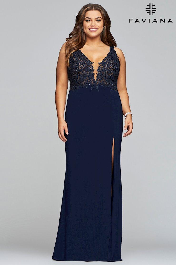 Faviana Plus Size 9463