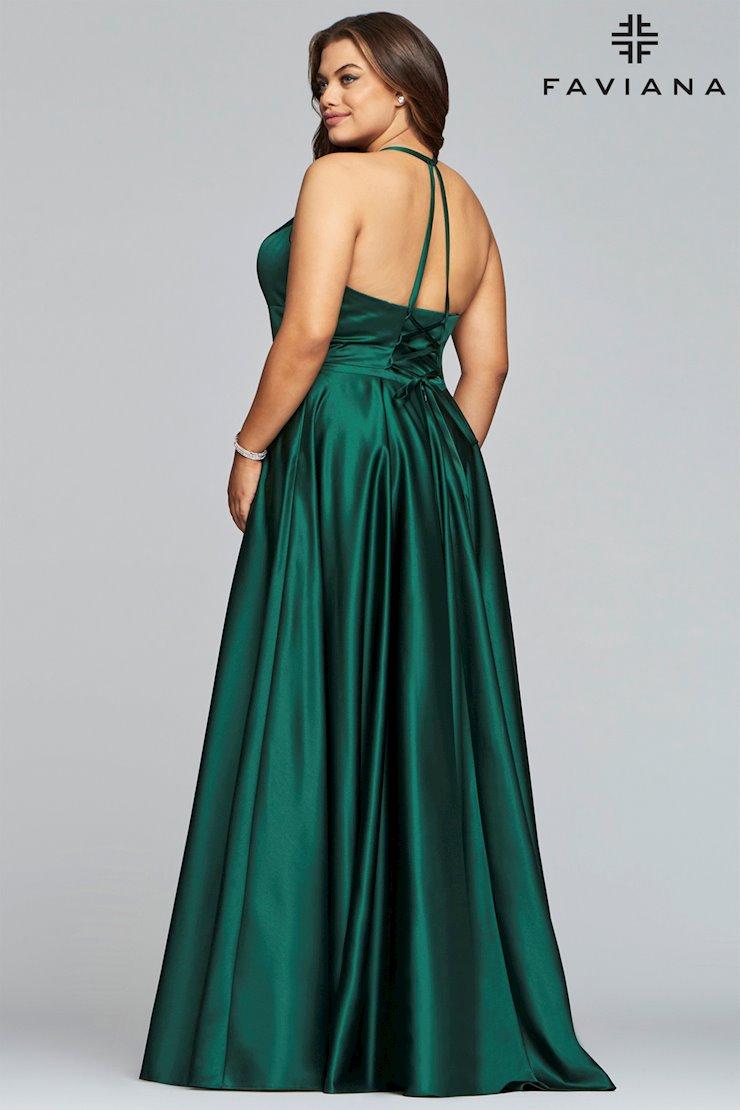 Faviana Plus Size 9466