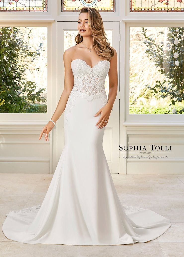 Sophia Tolli Y11943