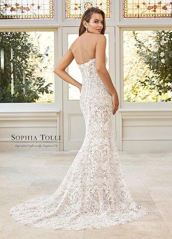 Sophia Tolli  Y11951