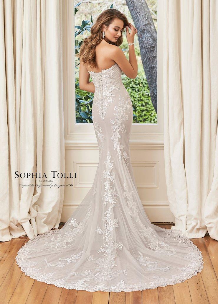 Sophia Tolli Y11966