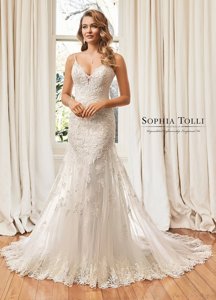 Sophia Tolli Y11971