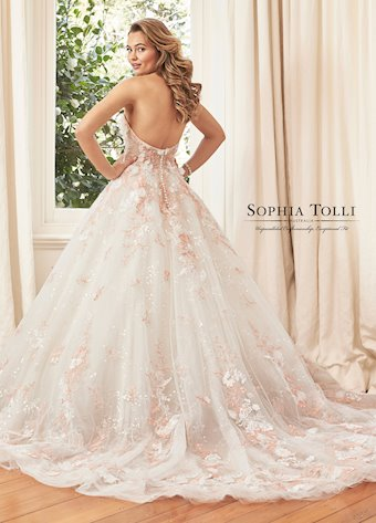 Sophia Tolli Y11973