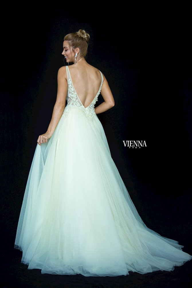 Vienna Prom 7838