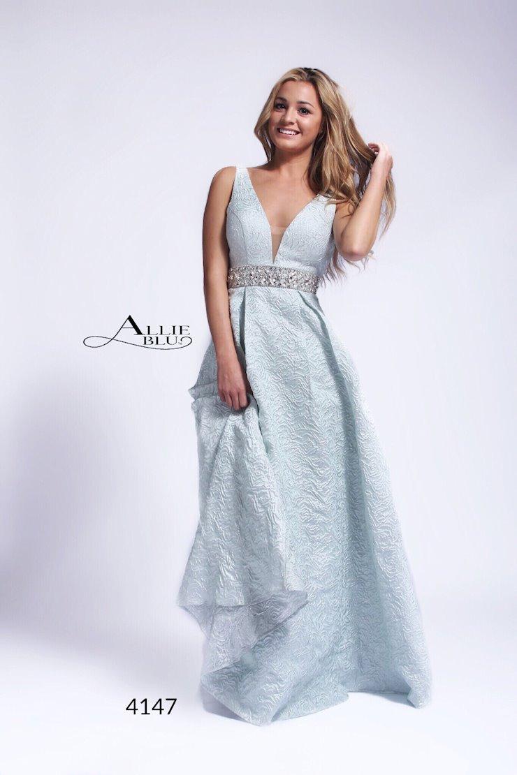 Allie Blu 4147