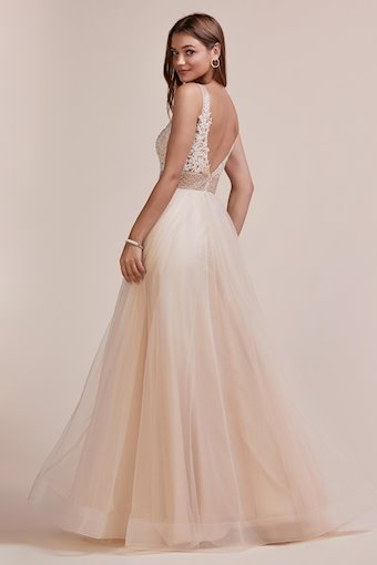 A&L Couture Style #A0674