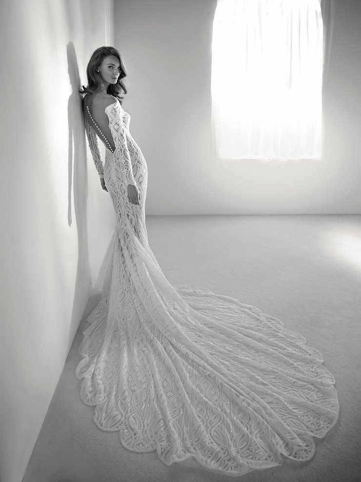 Pronovias royal