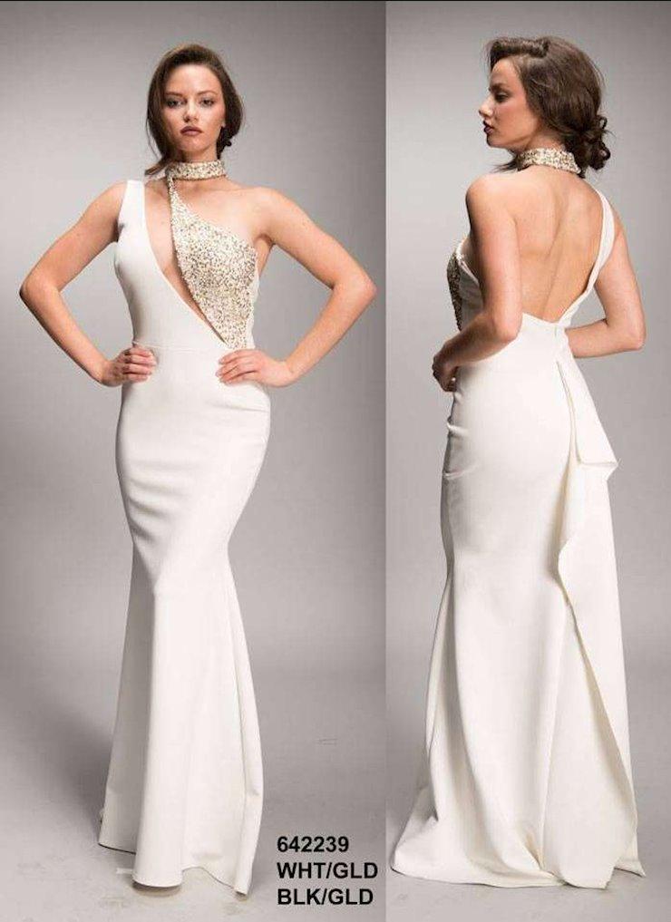 Nicole Bakti Style #642