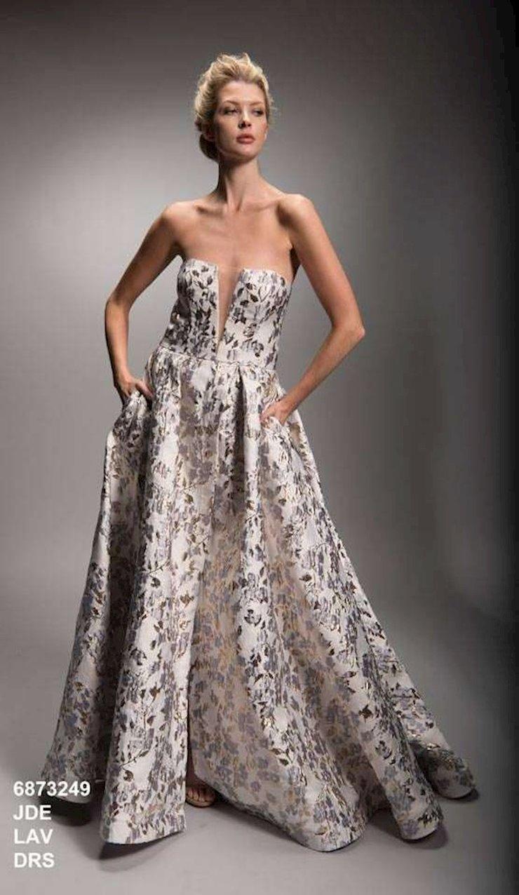 Nicole Bakti Style #6873