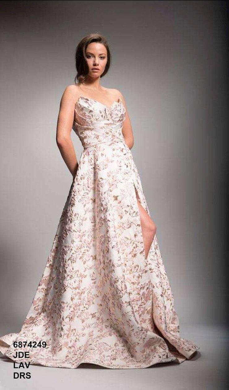 Nicole Bakti Style #6874