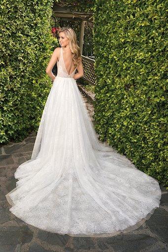 Casablanca Bridal Kayla