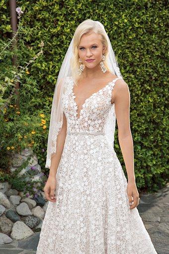 Casablanca Bridal Liliana