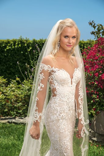 Casablanca Bridal Madelyn