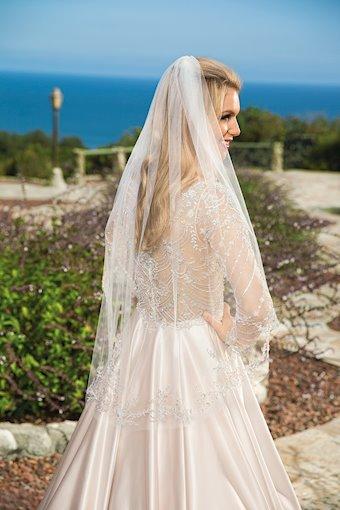 Casablanca Bridal Cassandra