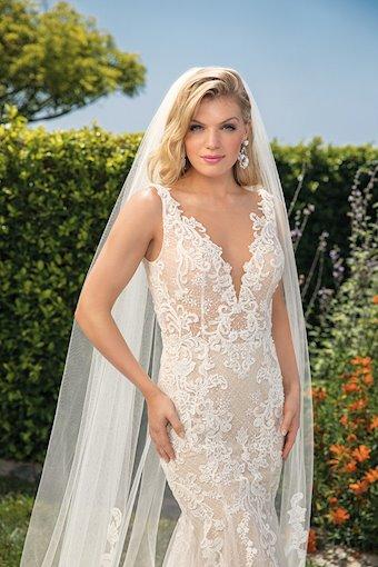 Casablanca Bridal Alexis
