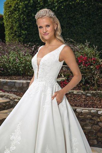 Casablanca Bridal #2372