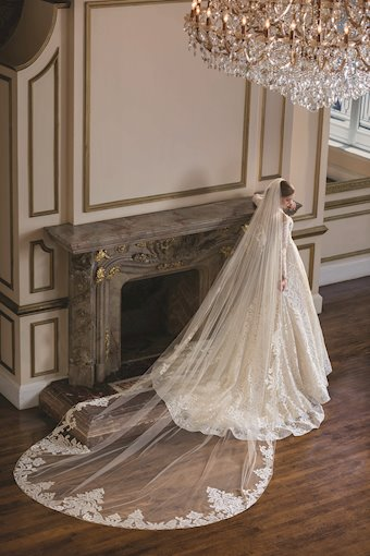 Casablanca Bridal Gemma