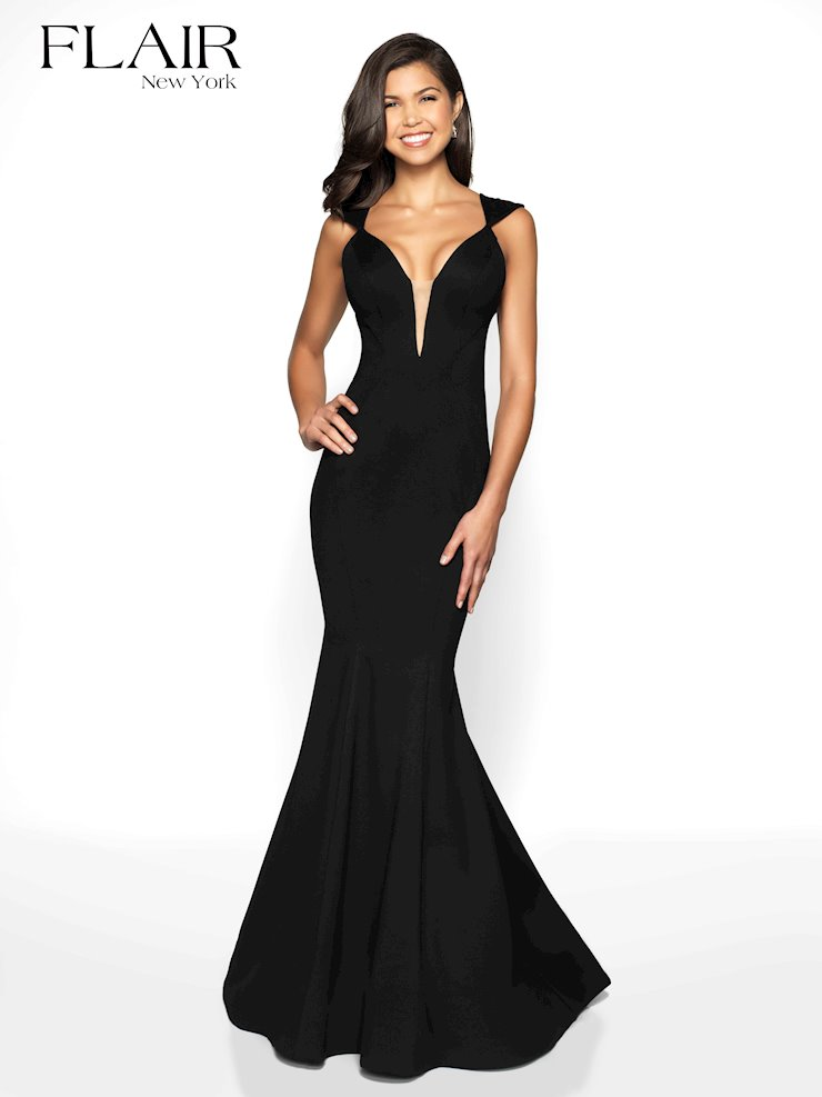 Flair Prom Style #19088 Image