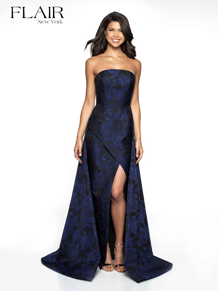 Flair Prom Style #19096 Image