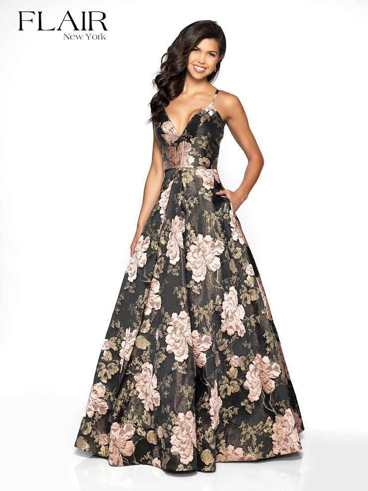 Flair Prom Style #19097 Image