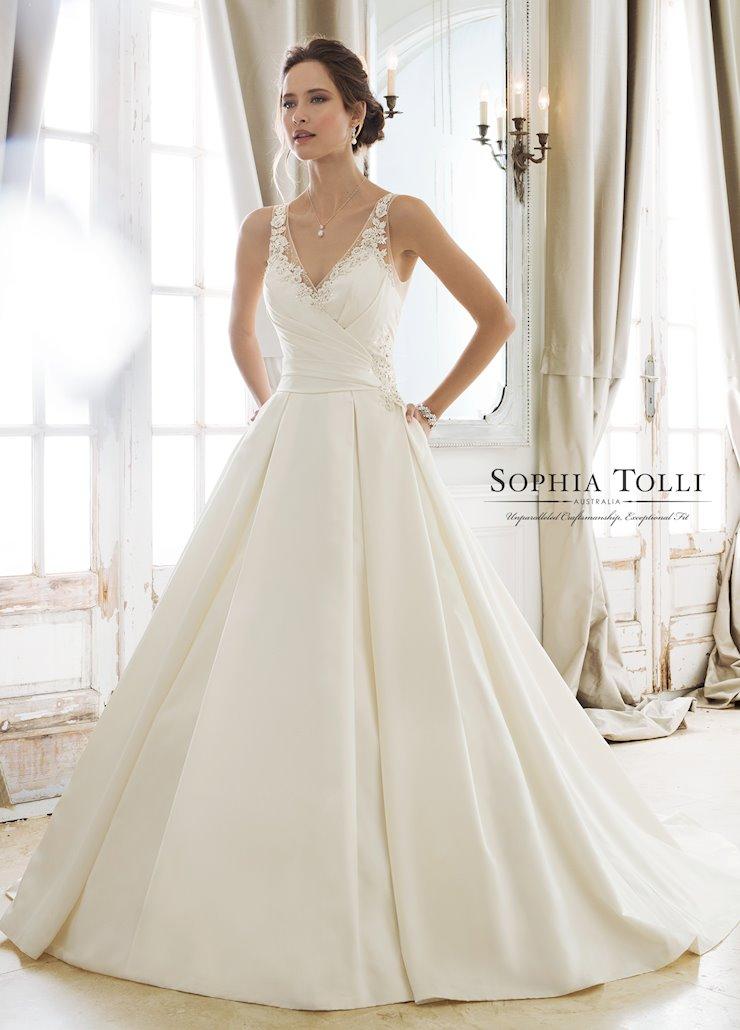 Sophia Tolli Y11886