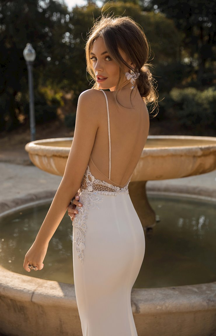 MUSE by Berta Debbie