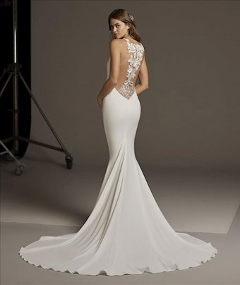 Pronovias Bellatrix