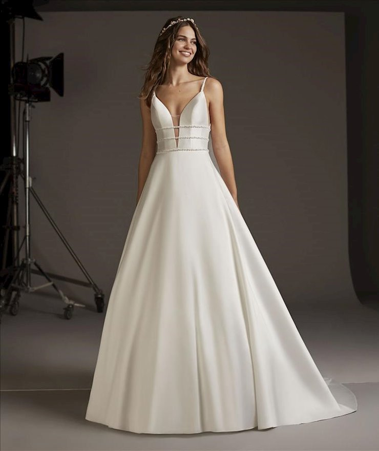 Pronovias #Serpens  Image