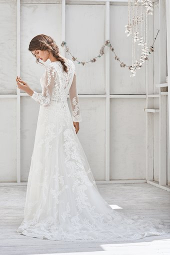 Lillian West Style No. 66040