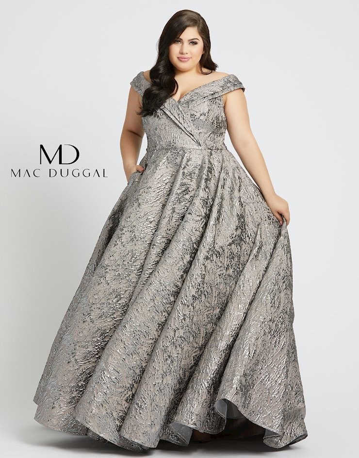 Fabulouss by Mac Duggal 77677F