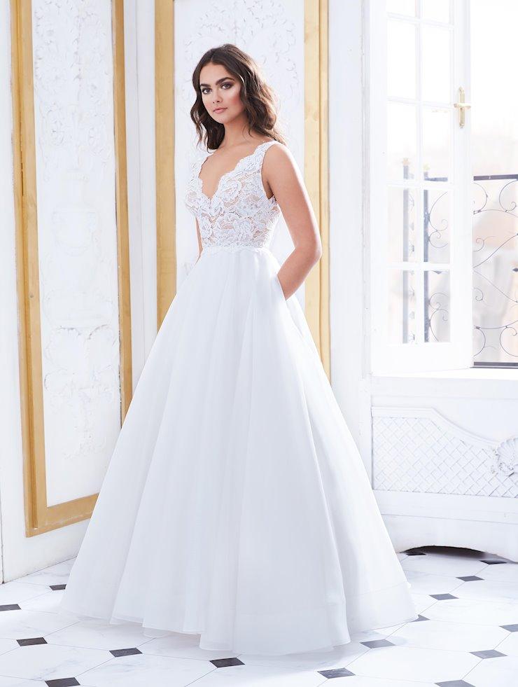 Paloma Blanca Style #4852