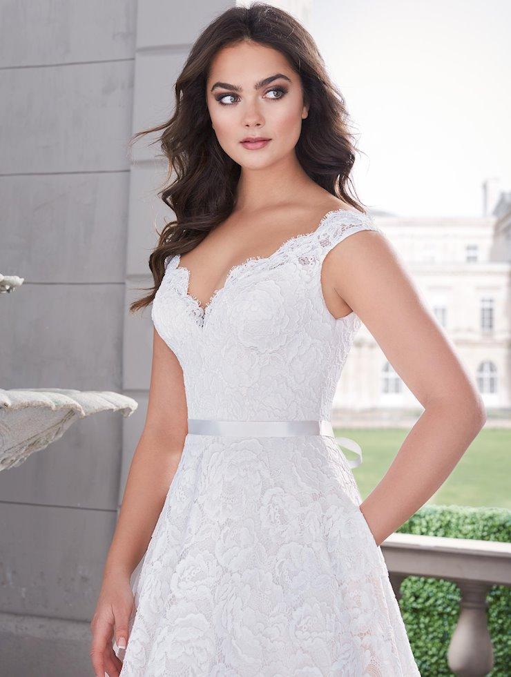 Paloma Blanca Style #4861 Image