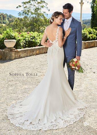 Sophia Tolli Y21985