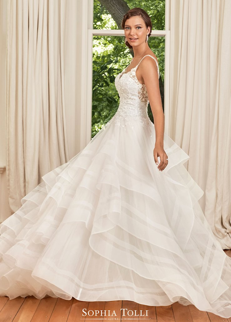 Sophia Tolli Courtney