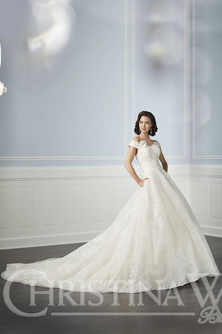 Christina Wu Brides 15717 Image