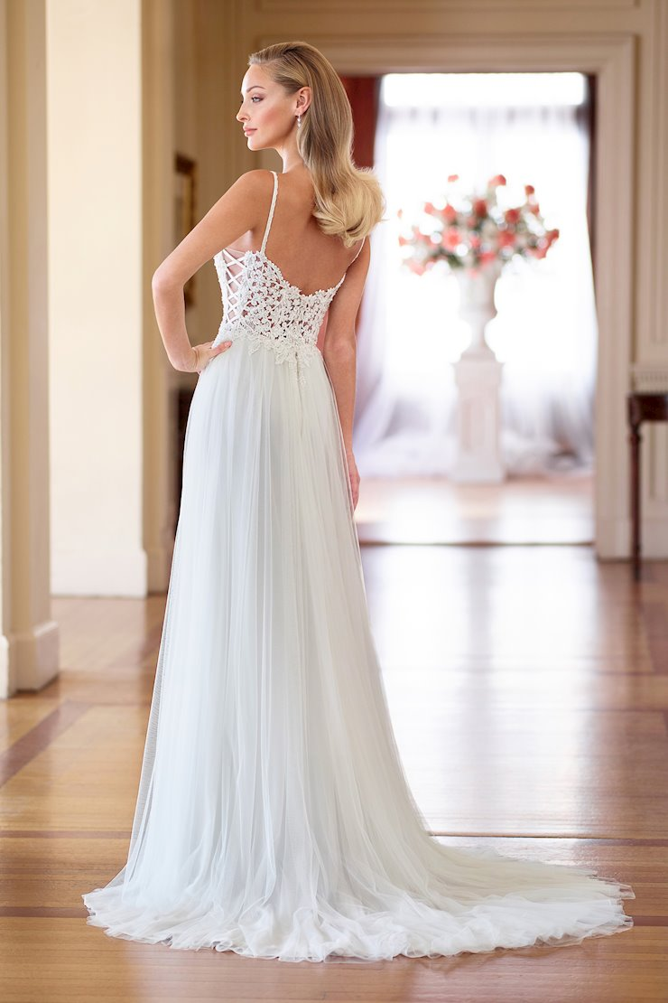 Whimsical Tulle and Chiffon A-Line Gown with Sweetheart Neckline