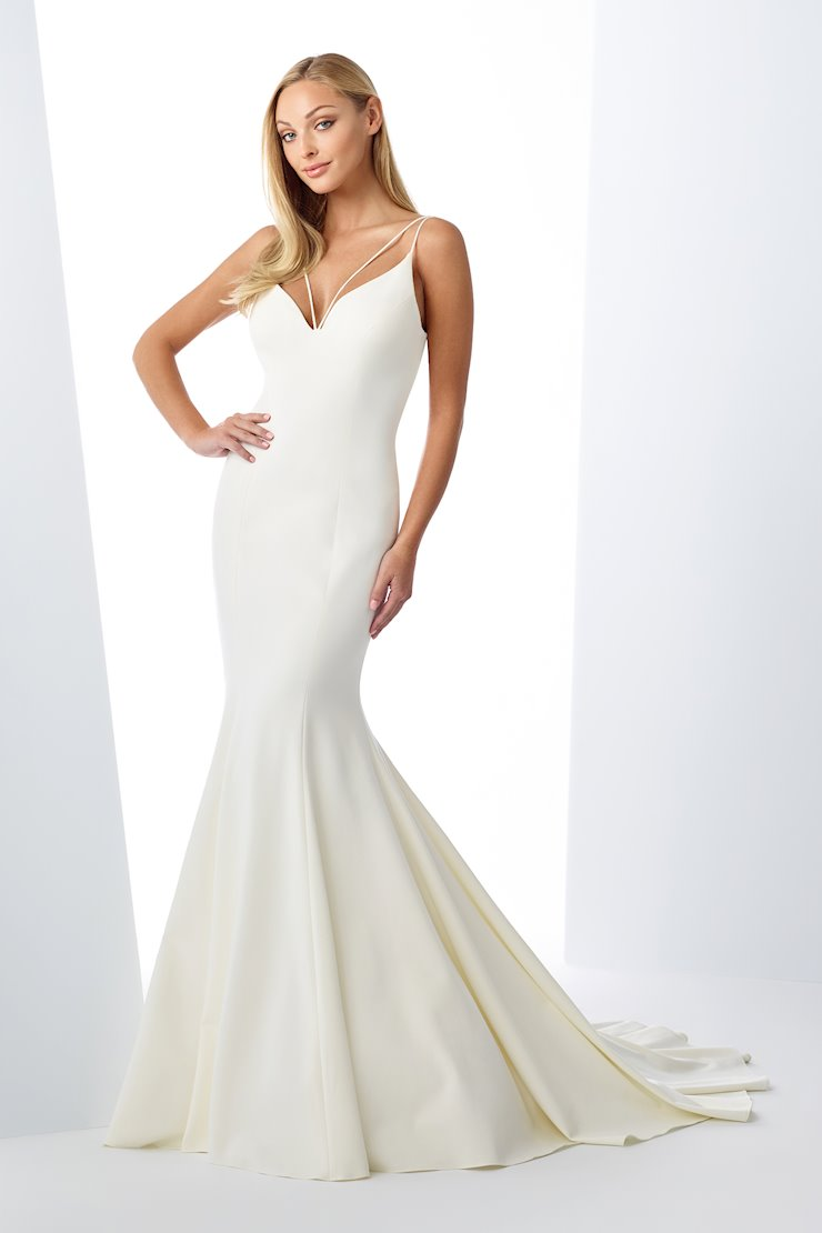 Sophisticated Mermaid Gown with Open Back