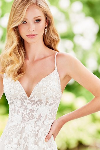 Dazzling Tulle A-Line Gown with Spaghetti Straps