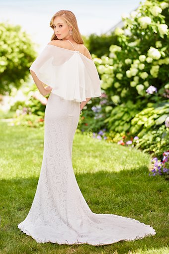 Beautiful Off-the-Shoulder Lace and Chiffon Trumpet Gown