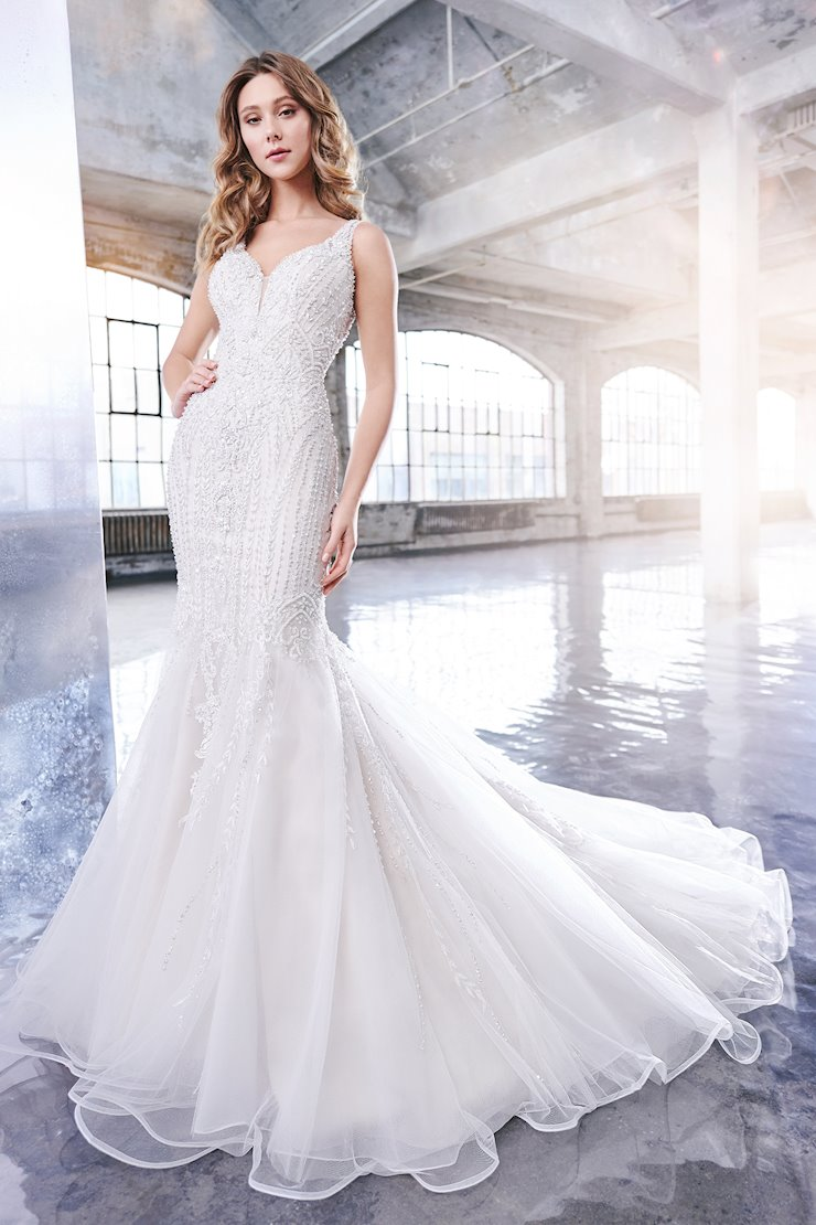 Cyndi Breathtaking Sleeveless Schiffli Lace Trumpet Gown