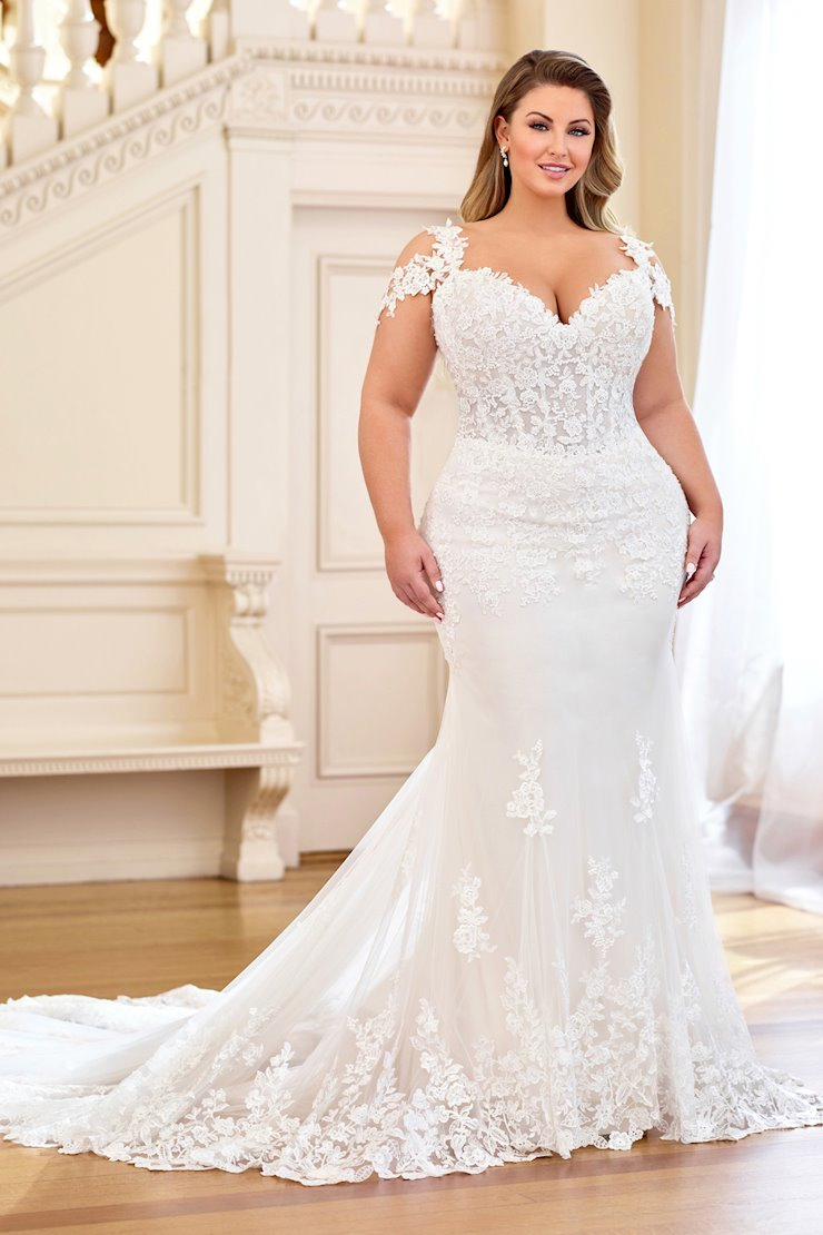 Romantic and Sexy Strapless Sweetheart Fit and Flare Gown, Plus Size